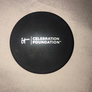 It Celebration Foundation (Rich- Deep tan)